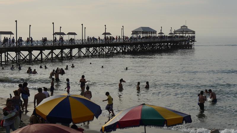 Huanchaco, La Libertad - Pier.JPG