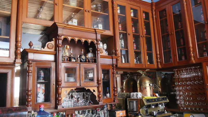 Trujillo Walking Tour - Cafe-Bar Chez Gerard