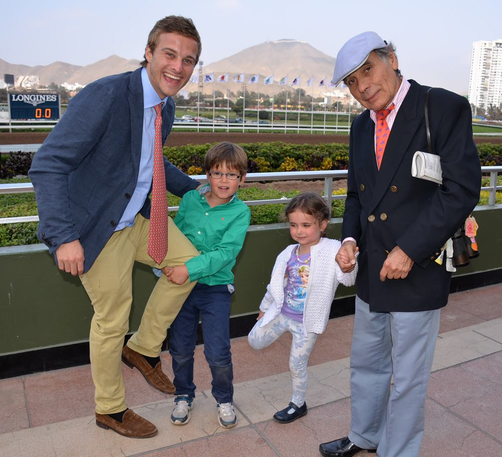 Horse Racing in Lima - Hipodromo de Monterrico14.jpg