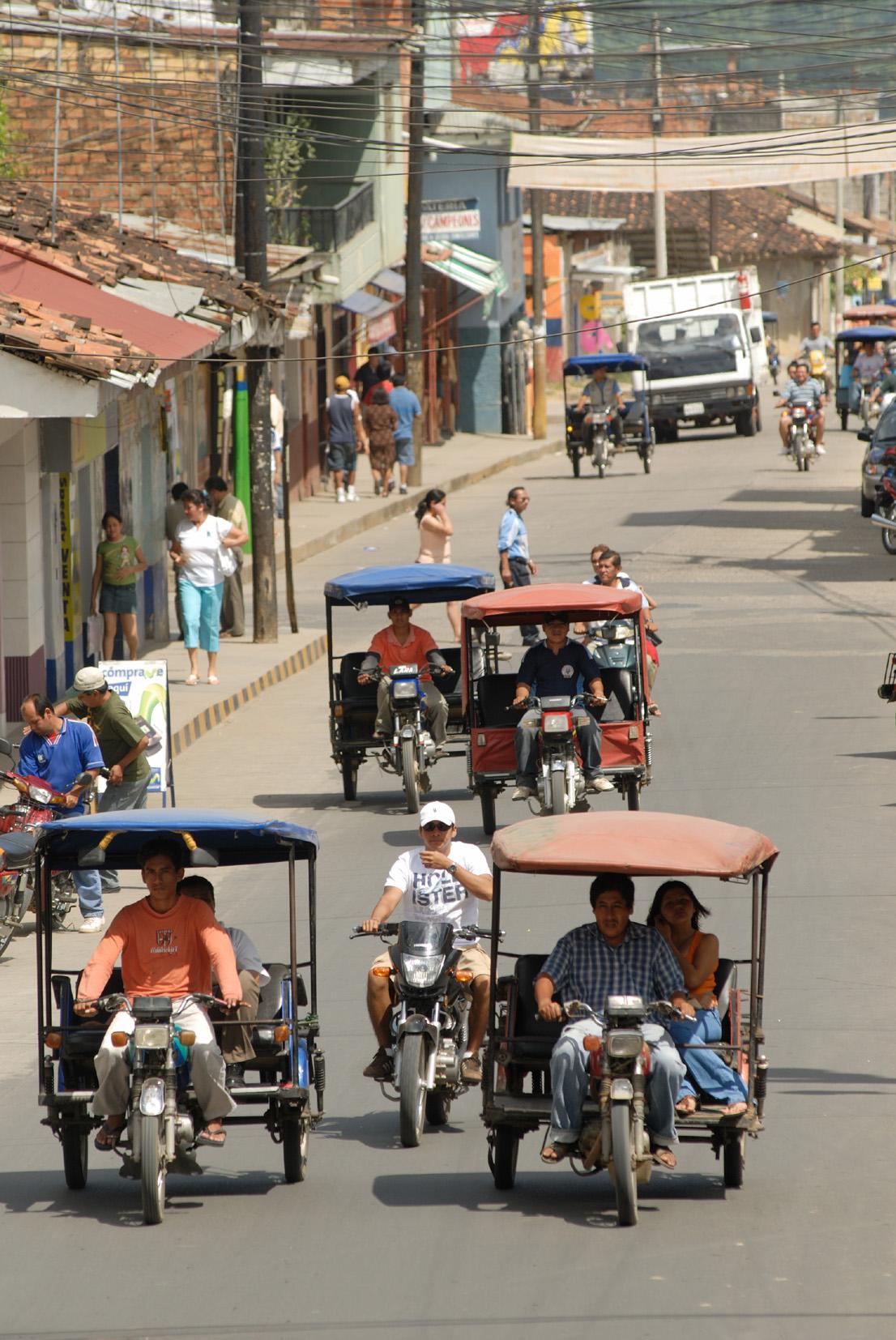 A herd of mototaxis in Taropoto.