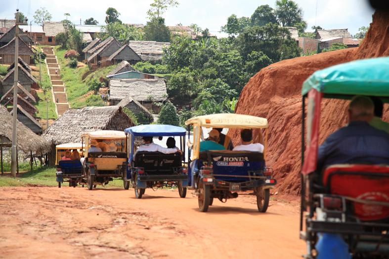 Mototaxi - Amazon Transport - Nauta.jpg