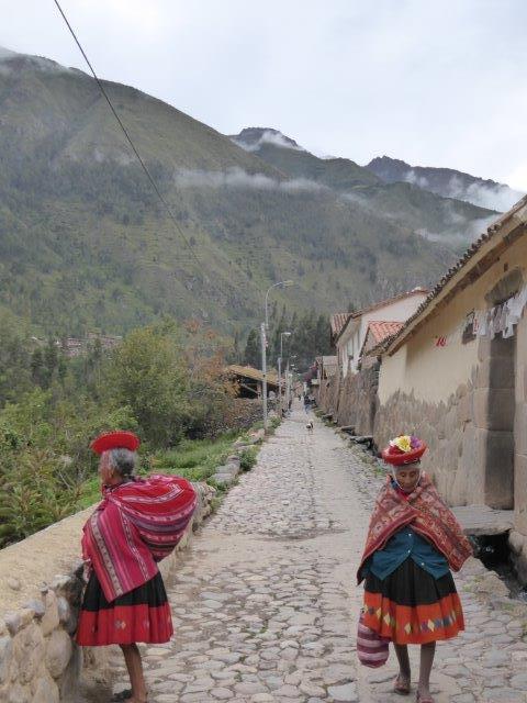 Spry x 2 - Cusco & MaPi - Ollantaytambo Ladies.jpg