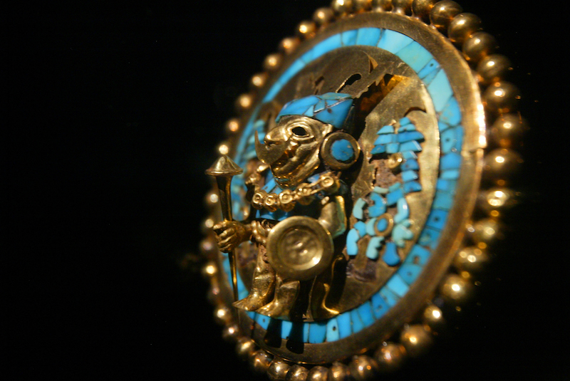 Artefact from  Huaca Rajada .