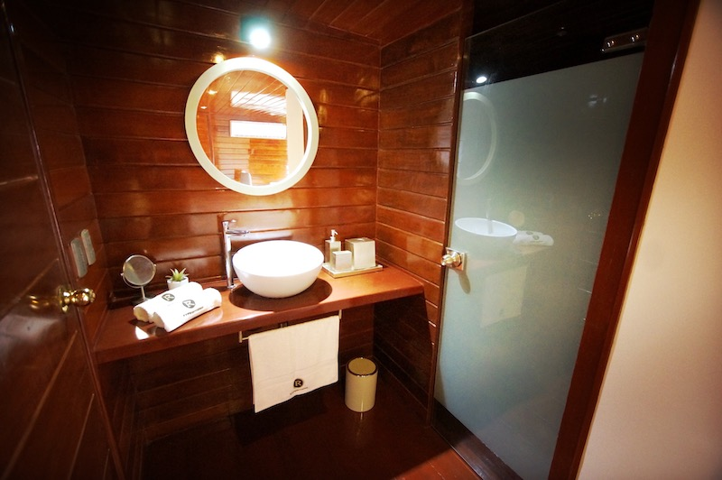 R&F Amazon Cruise: Master Suite Bathroom