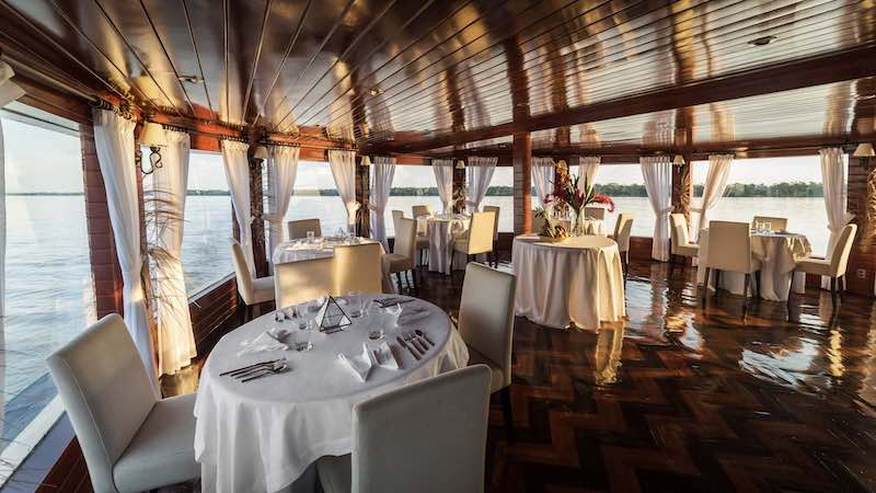 R&F Amazon Cruise: Dining Room