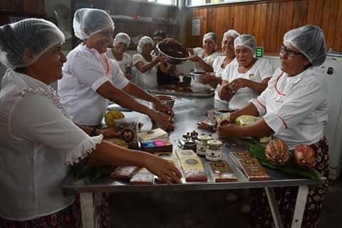 Cacao in Northern Peru - Tarapoto - Misky Cacao Ladies at Work.jpg