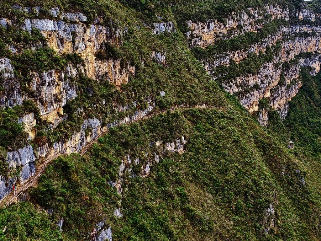 Trail to Revash.jpg