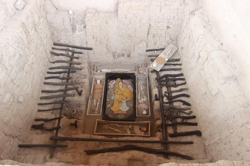 Sartin x 2 - Moche Tour - Sipan, Chiclayo - Burial Reconstruction.jpg