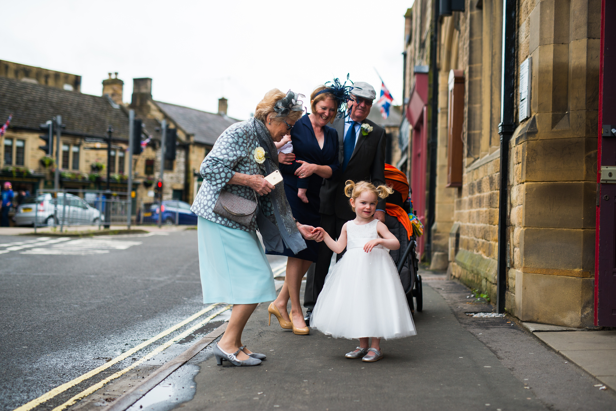 Nottingham wedding photographer in Bakewell