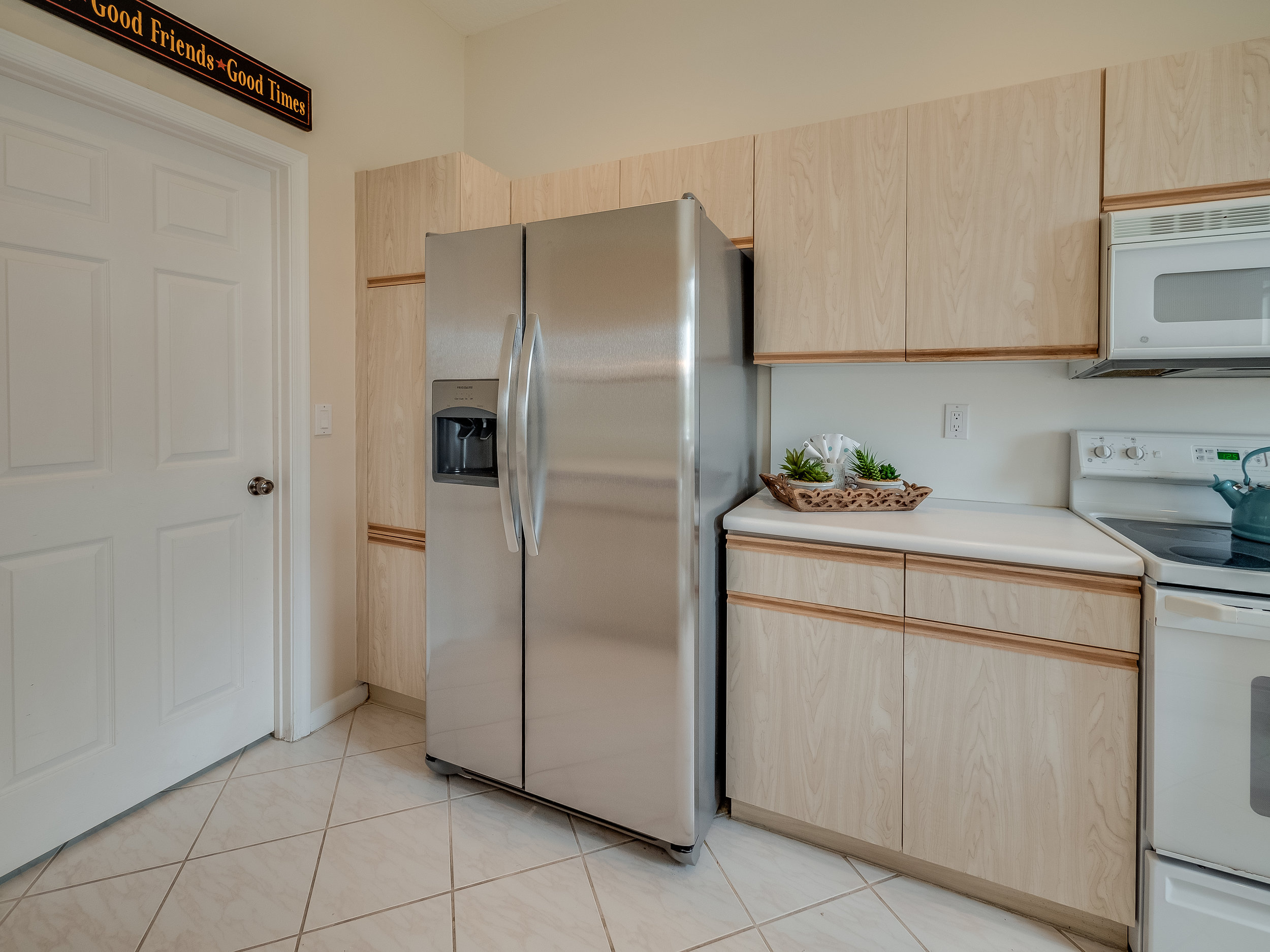 Kitchen 6.jpg