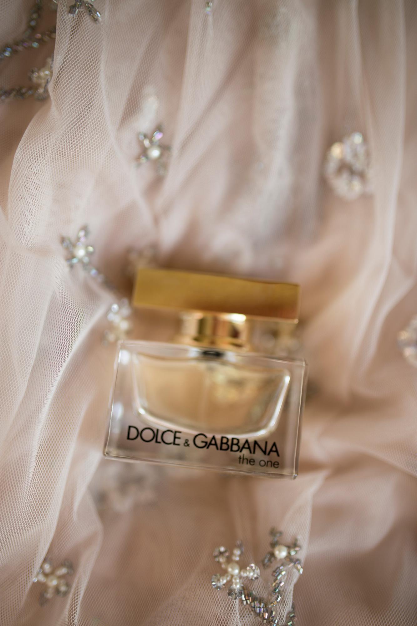 wedding details, dolce & Gabbana, wedding scent, wedding perfume, blush pink,