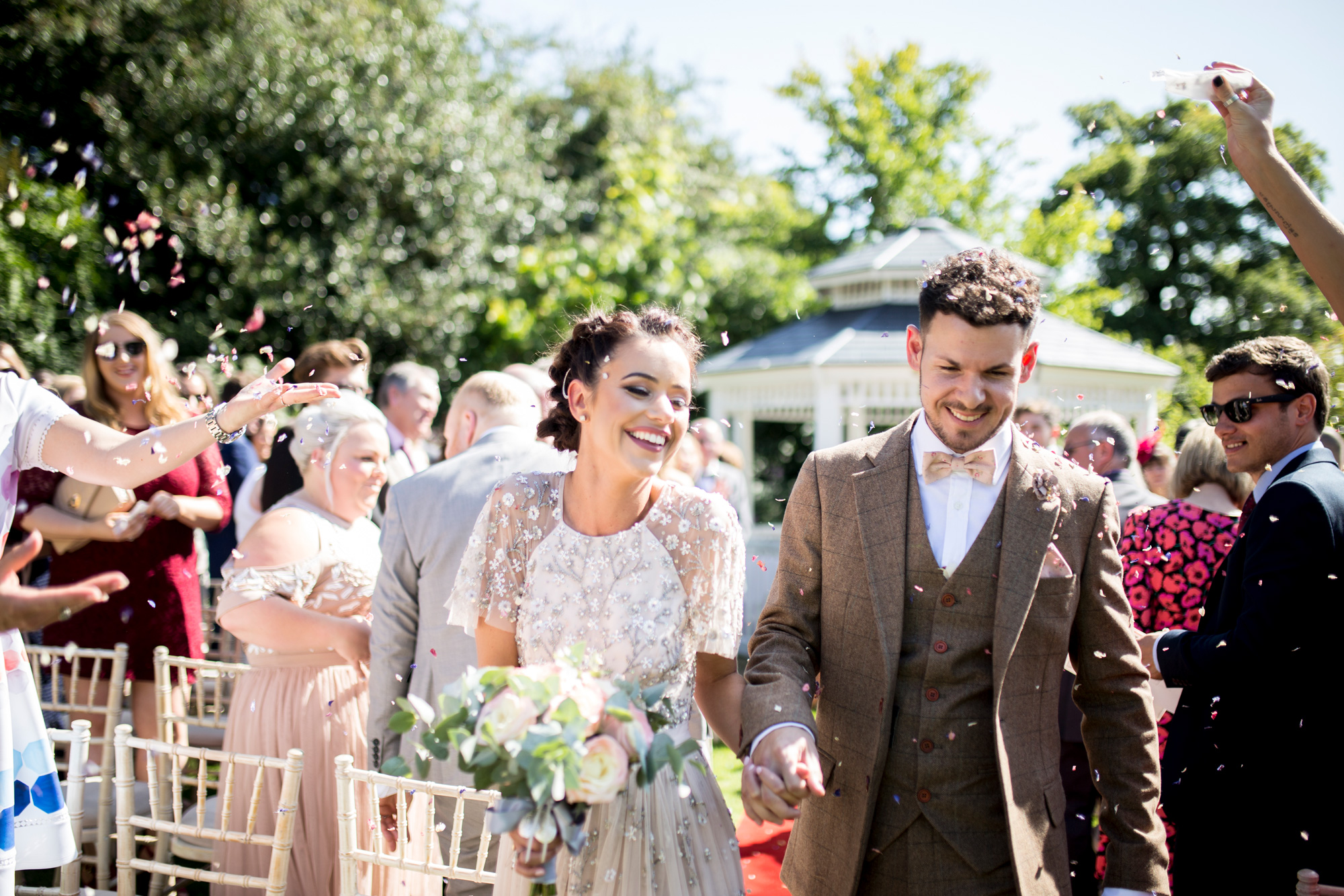 confetti, happy couple, bedfordshire wedding, buckinghamshire wedding, ceremony,