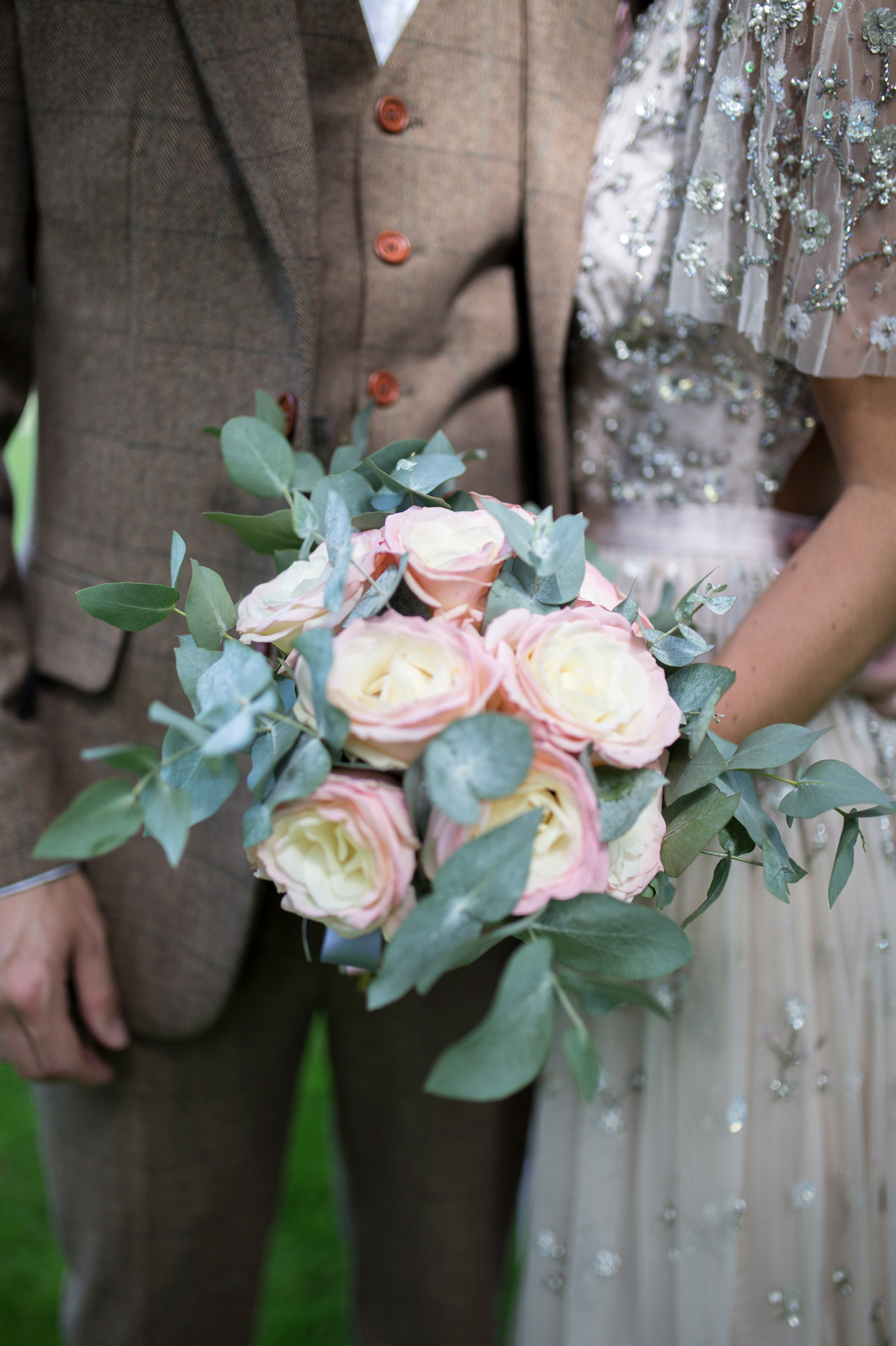 couples, pastels, flowers, roses, beading,