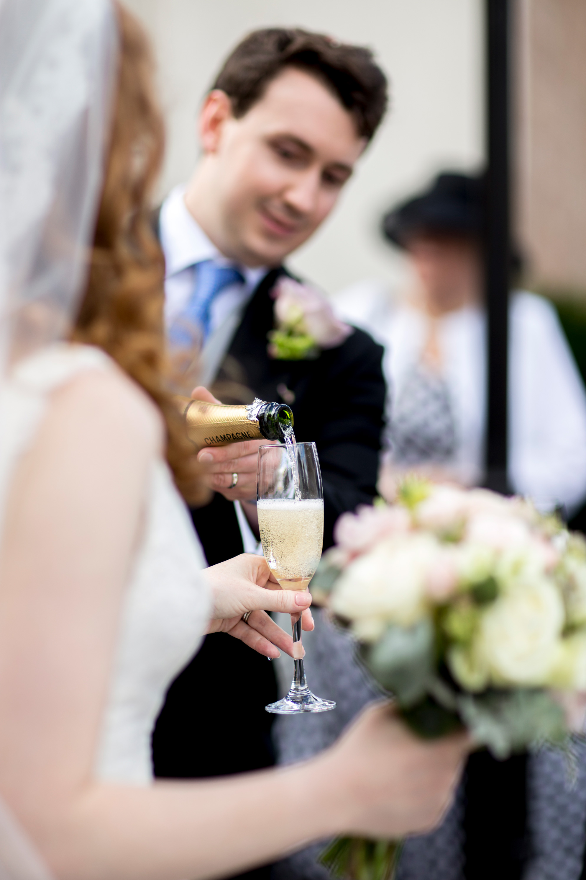 Champagne, Happy Couple, Flowers, Bouquet, Summer Wedding,