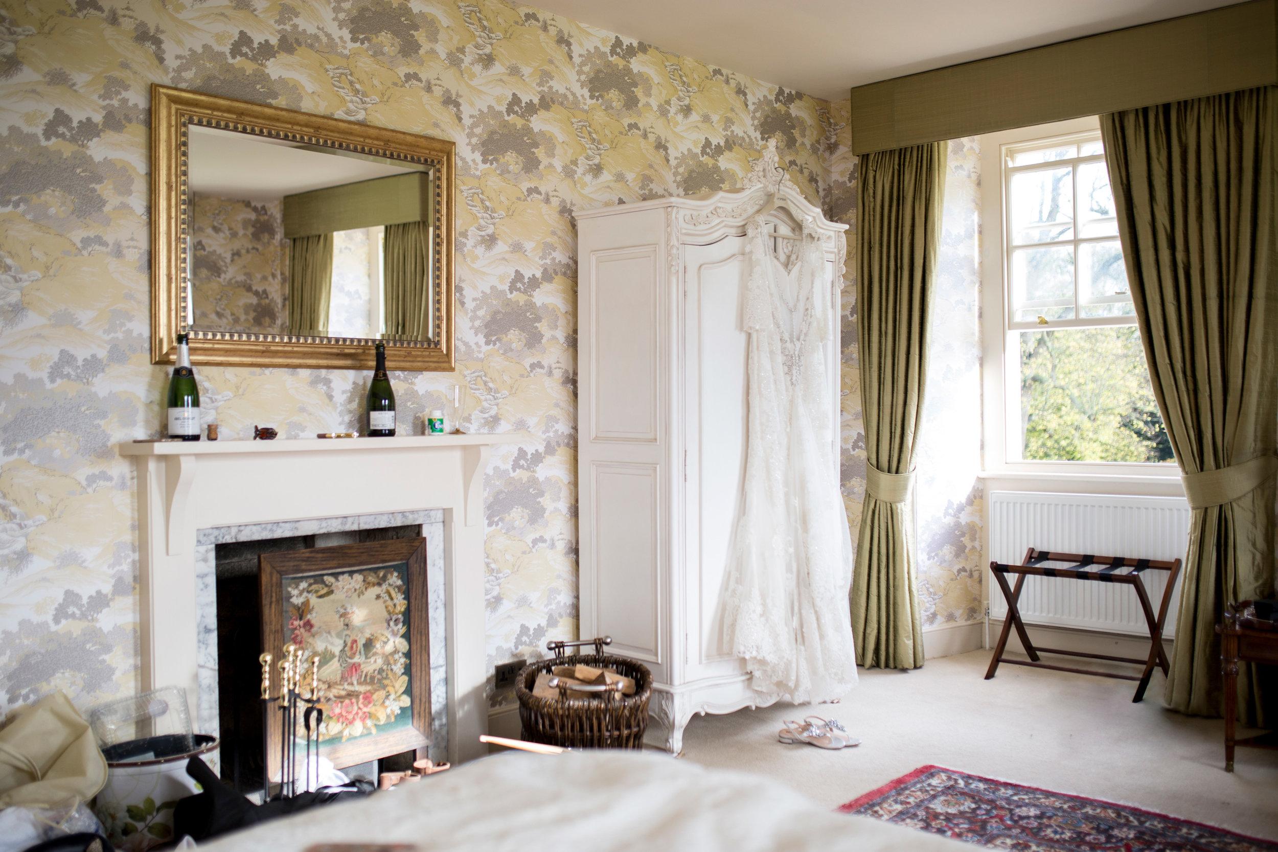 Hinwick House, Bedfordshire Wedding, Bedfordshire Wedding Venue, Bridal Room, Country House Wedding,