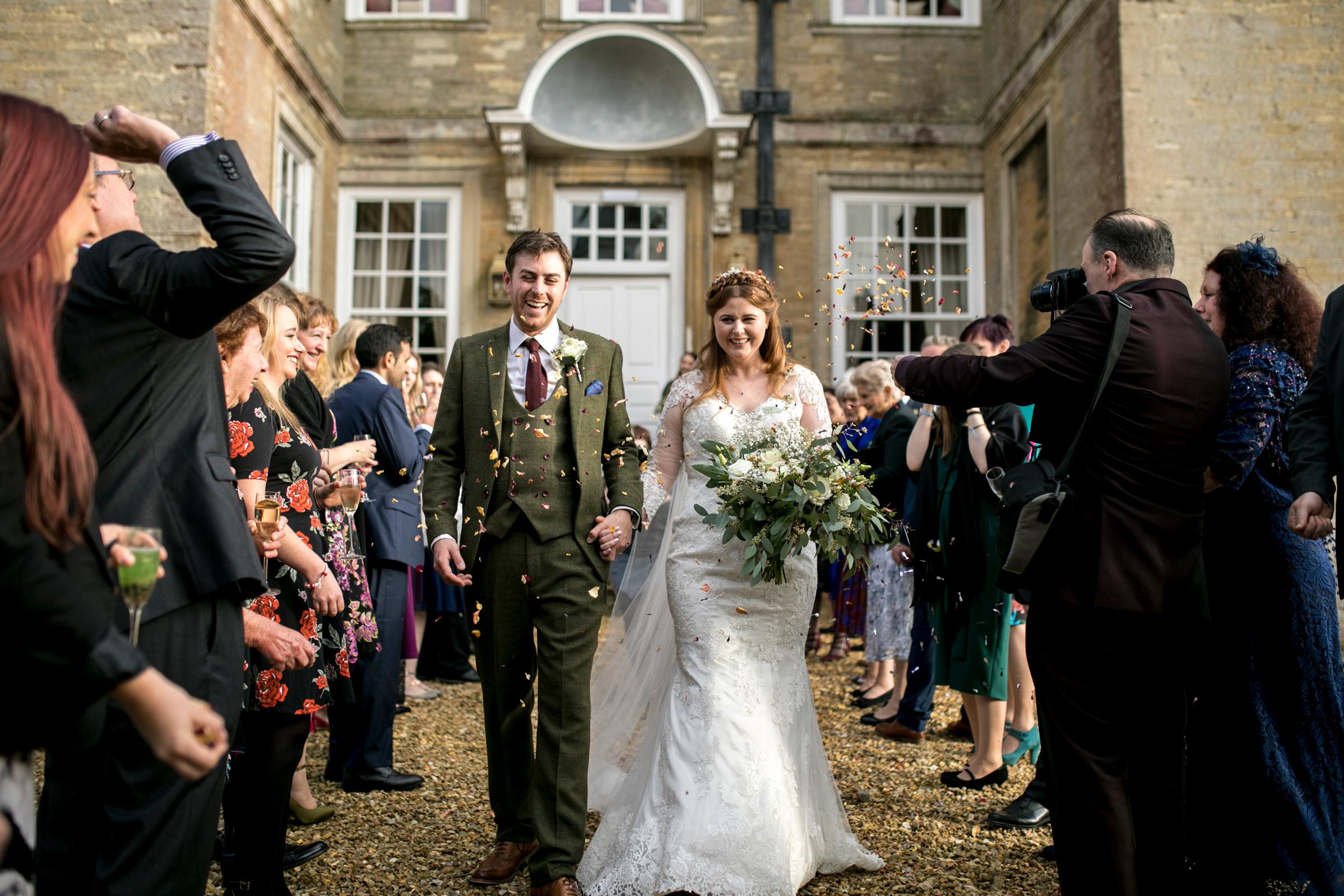 Wedding Confetti, Hinwick House, Autumn Wedding,