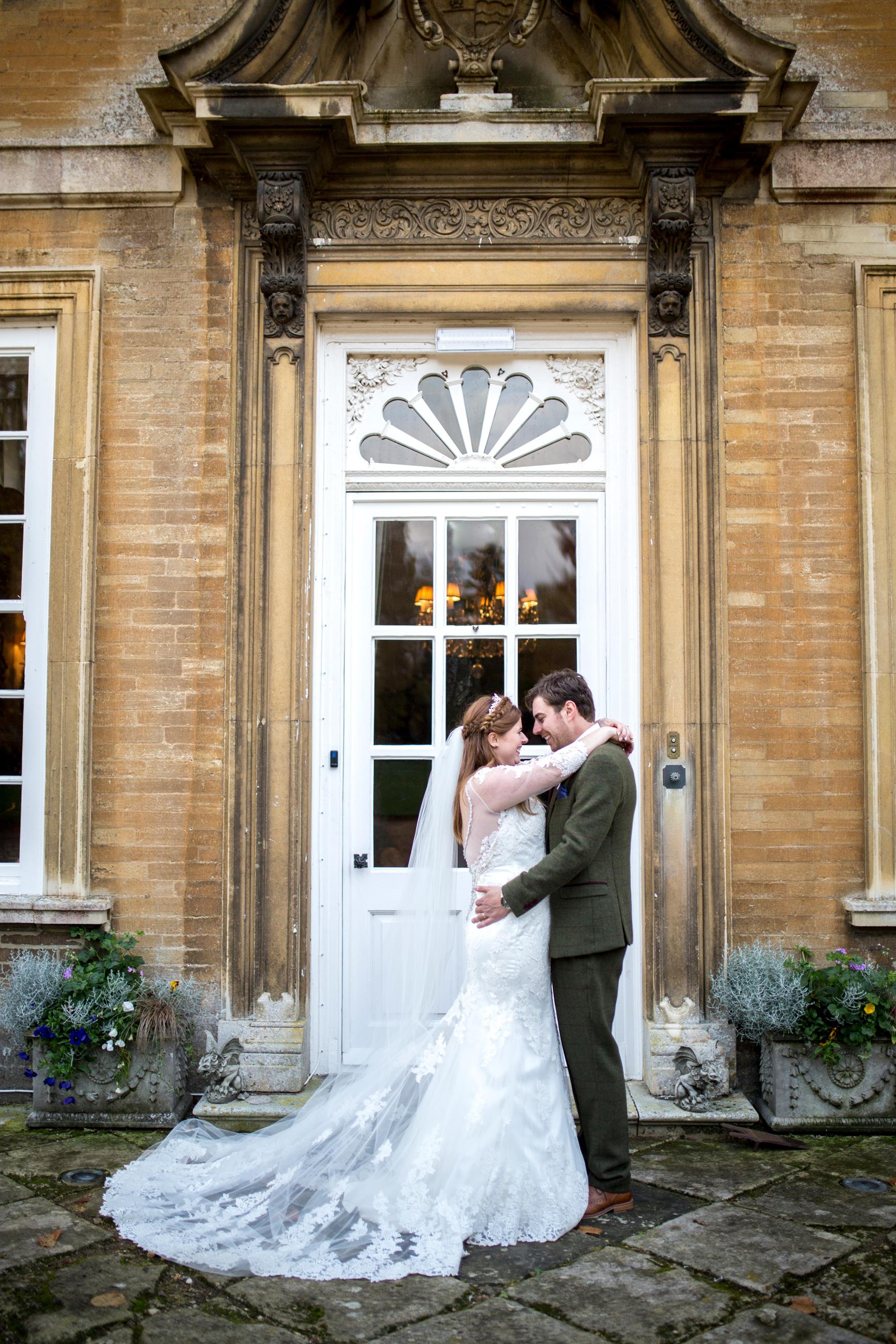 Couple, Hinwick House, Country House Wedding,