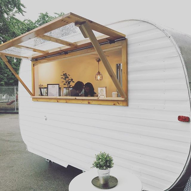 Weddings are our favorite ❤️😍🎊 - #stlcoffee #stl #wilfredthesilocamper #stlwedding #mobilecoffeebar