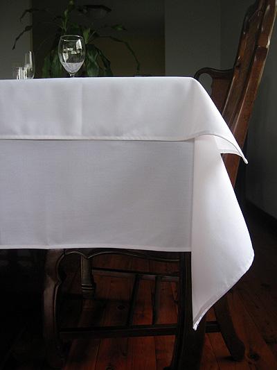 table_clothandoverlay_1.jpg