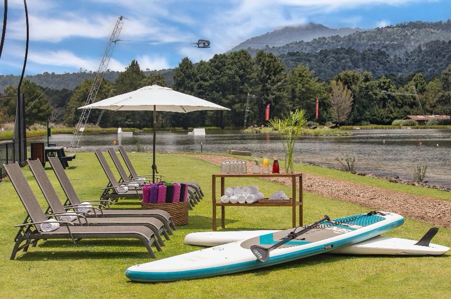 hotel avandaro valle de bravo grupos empresas actividades lago stand up paddle.jpeg