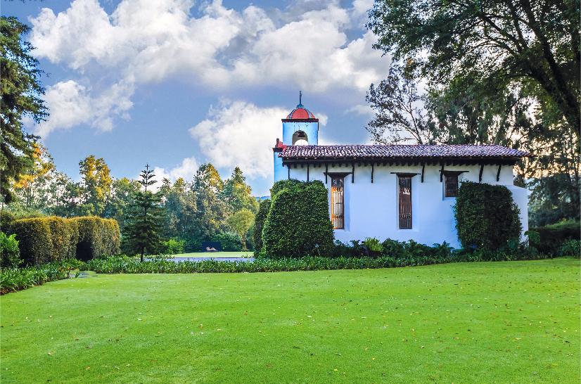 rancho avandaro country club valle de bravo jardines capilla.png