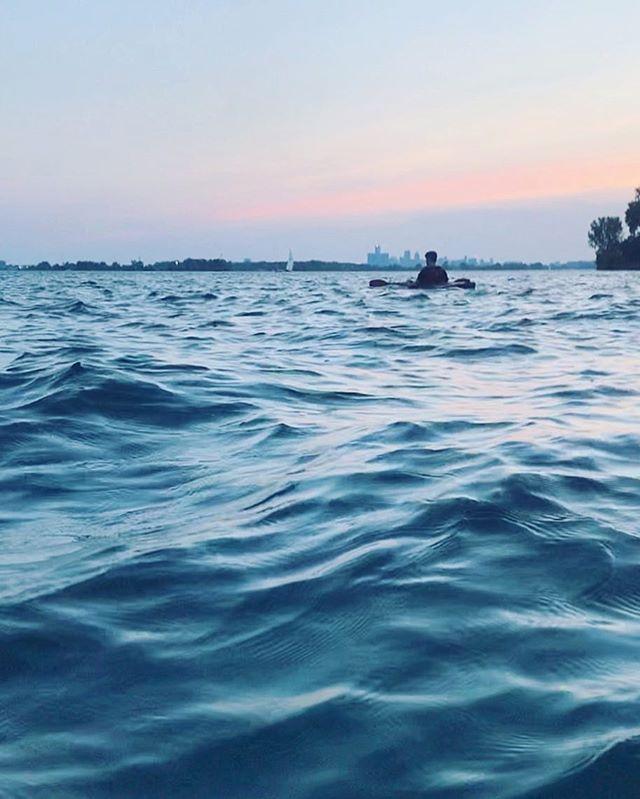 W A T E R #detroit #detroitriver #water #wearewater #kayaking #detroitriversports #adventure #risefromtheashes #waves #visitdetroit #sunset #detroitus