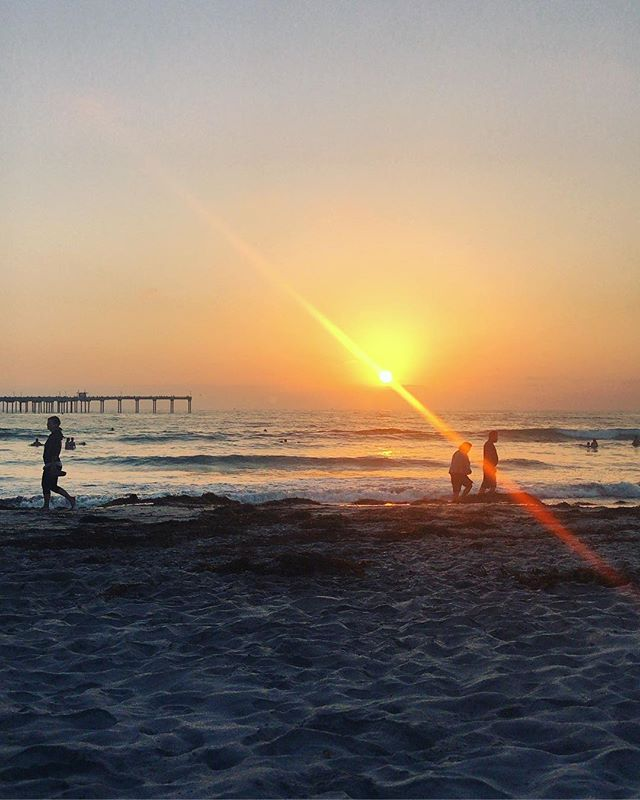 California dreaming #sunset #california #sandiego #skyporn #pacificocean #orange #travel #chasinglight #getoutside #persuepretty #createyourownreality @thecosmicom