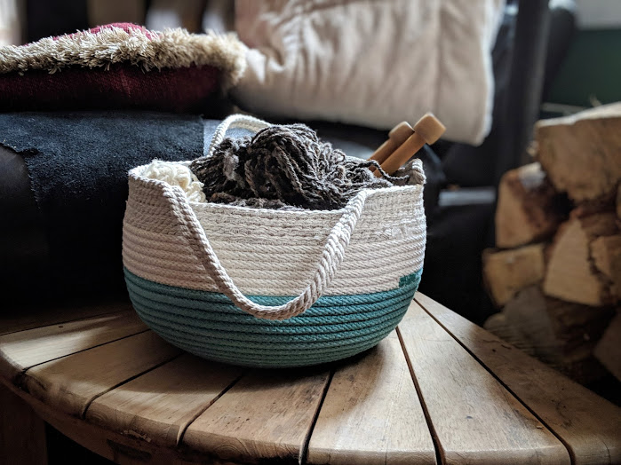 | | knitting bowl with hemp handles | |