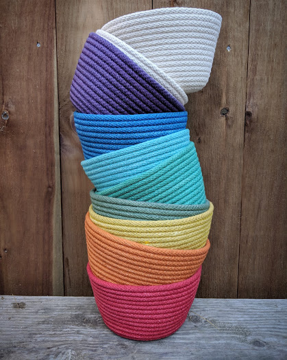 | | stacking and hanging bowls | |
