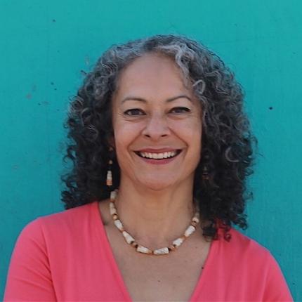 Linda González | Life coach, Writer, Speaker    Purpose & accountability to embrace sustainable, joyful well-being.  Facebook LindaMGonzalez Instagram & Twitter @masdelinda  www.lindagonzalez.net   Favorite Exercise: Tennis!