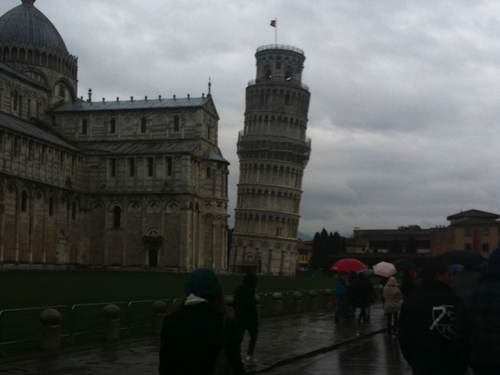 Rumor has it there is a leaning tower in Piza.