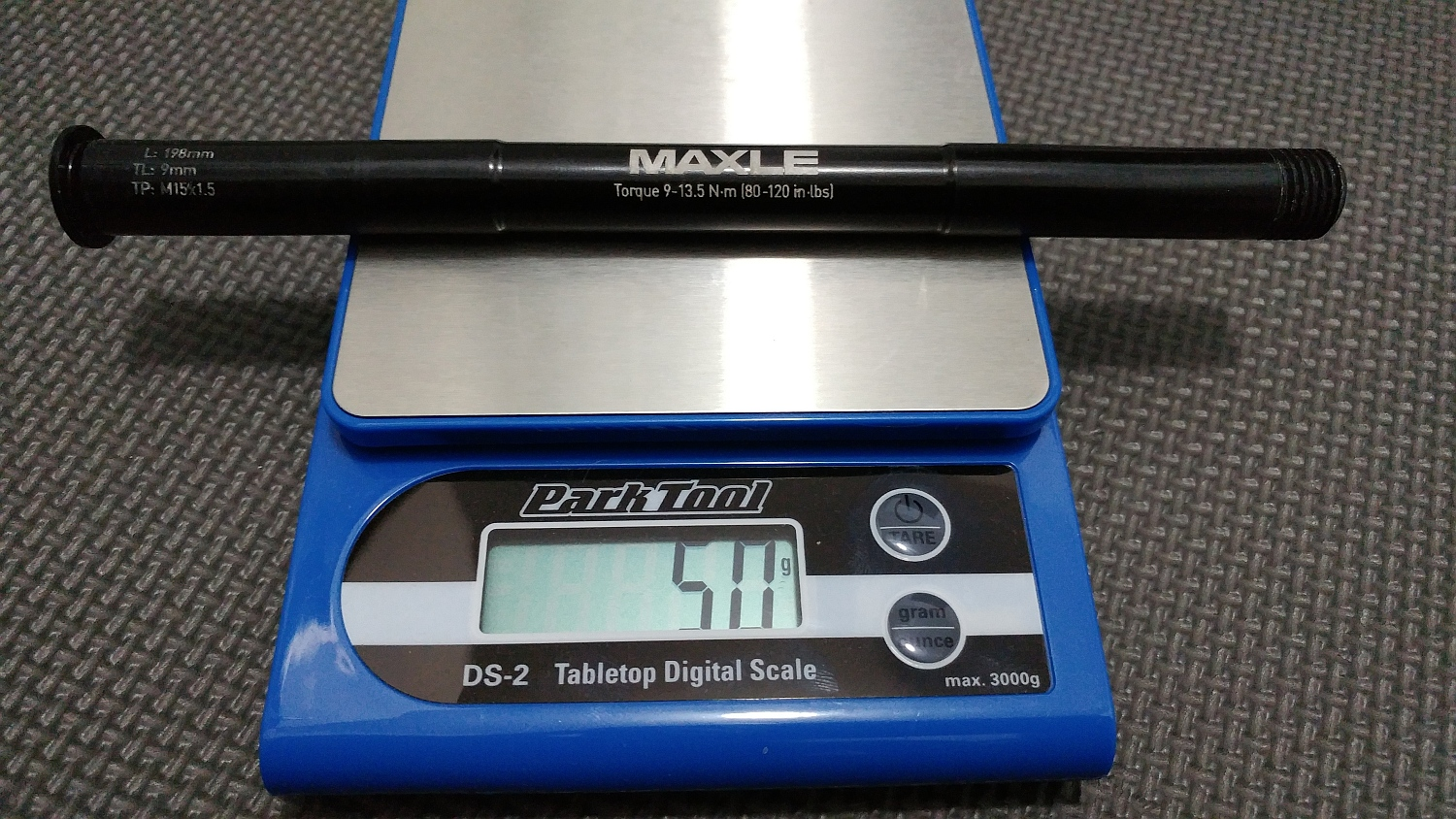 BLUTO RCT3 MAXLE axle = 50gr on the digital scale