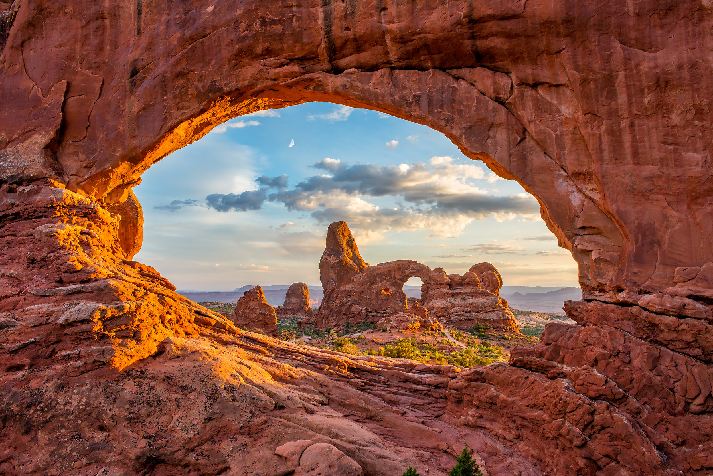 moab utah photography workshop arches national park windows looking at turret