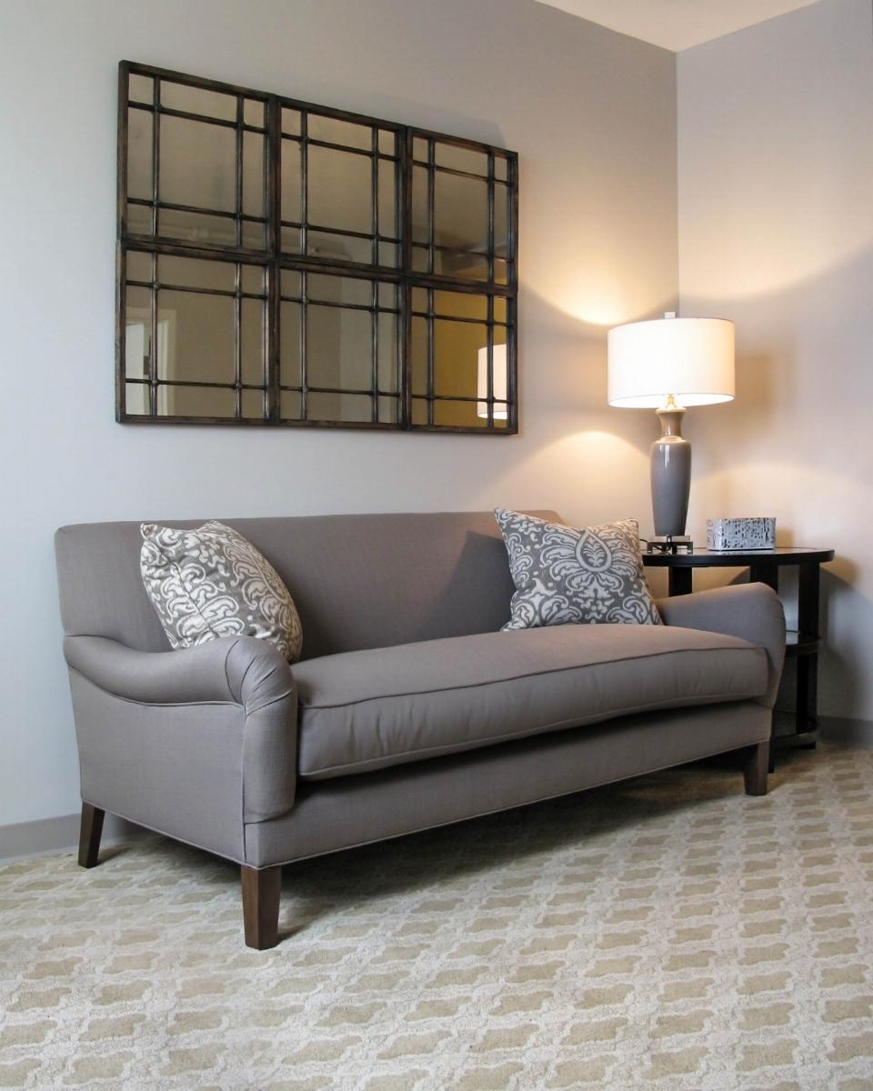 best-local-design-commercial-designer-hospitality-livingroom-shenandoah-usiversity