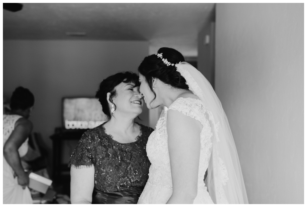 sweet picture of the bride and her mother