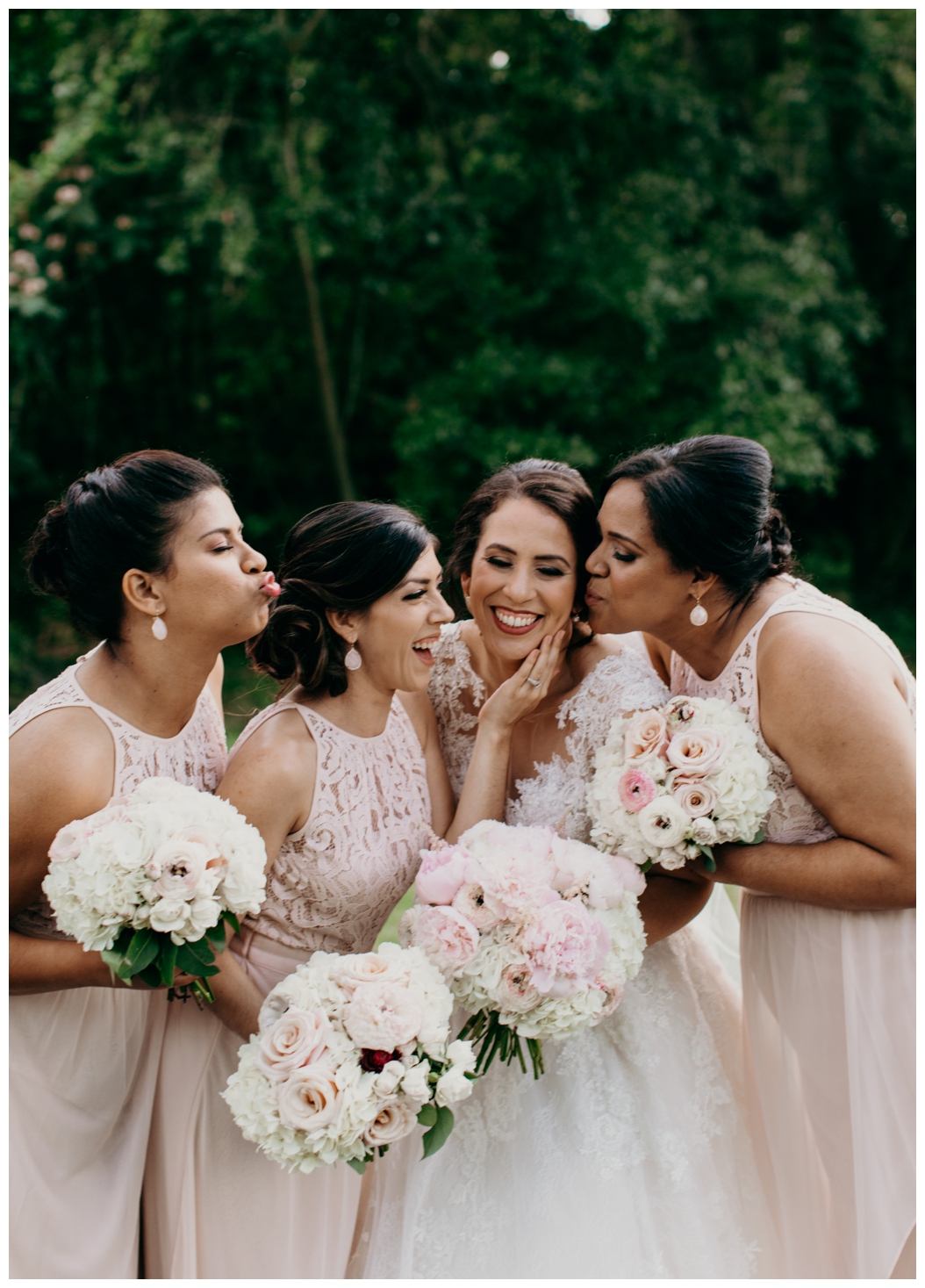 bride and her bridesmaids in Tallahassee