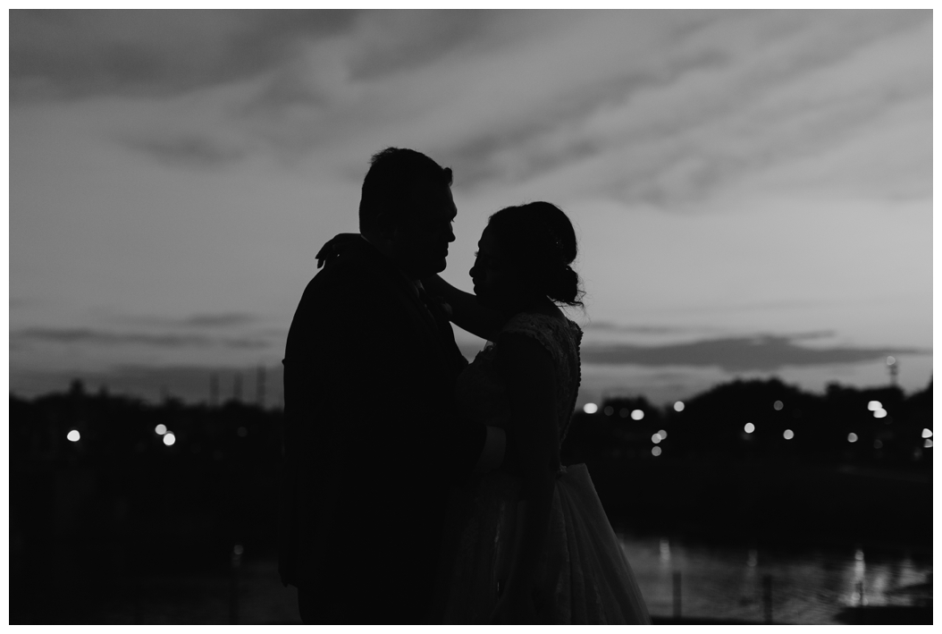 silhouette bride and groom picture