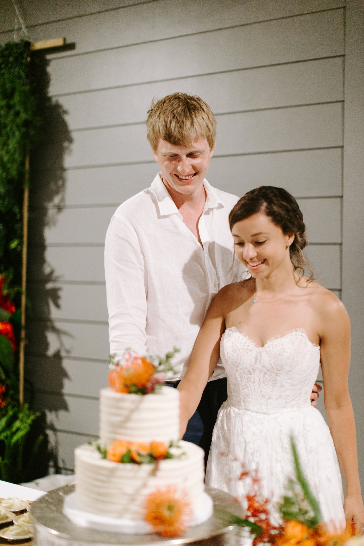 cape san blas wedding cake cutting