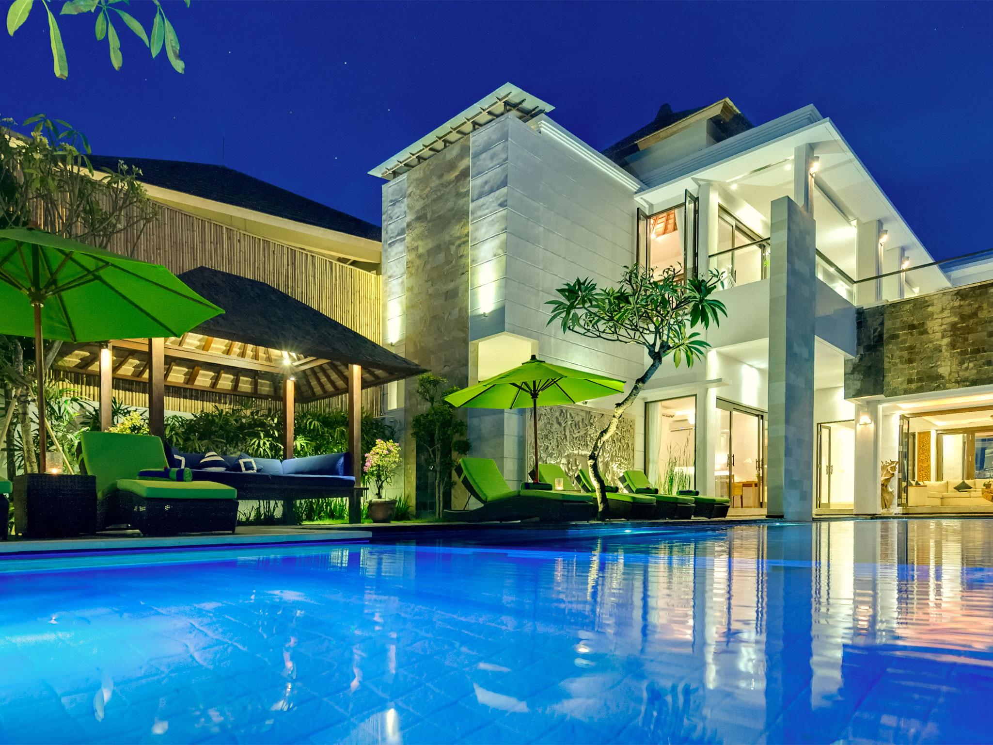 15-villa luwih - evening villa.jpg