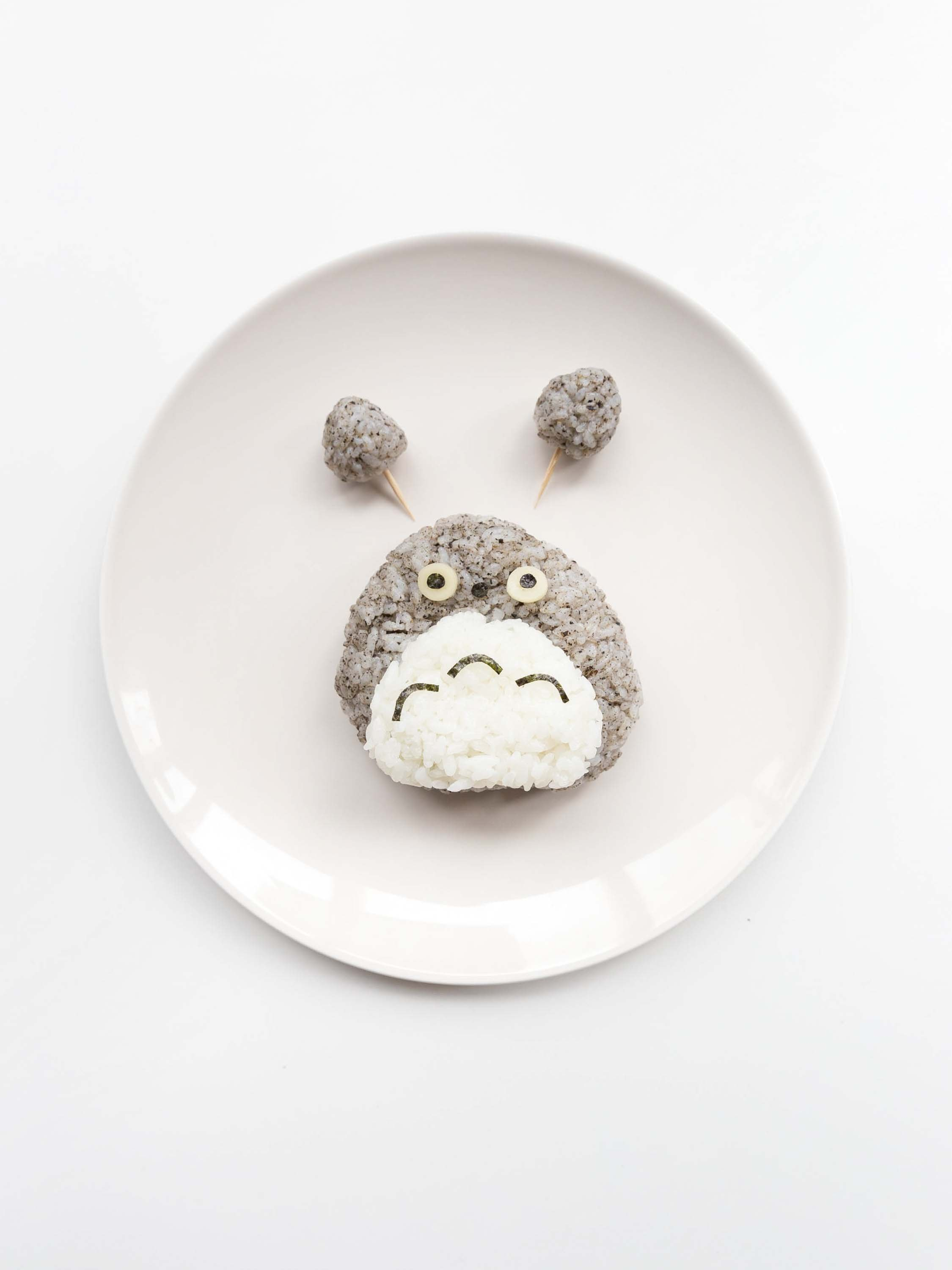how_to_make_totoro_rice_cake_food_styling_5.jpg