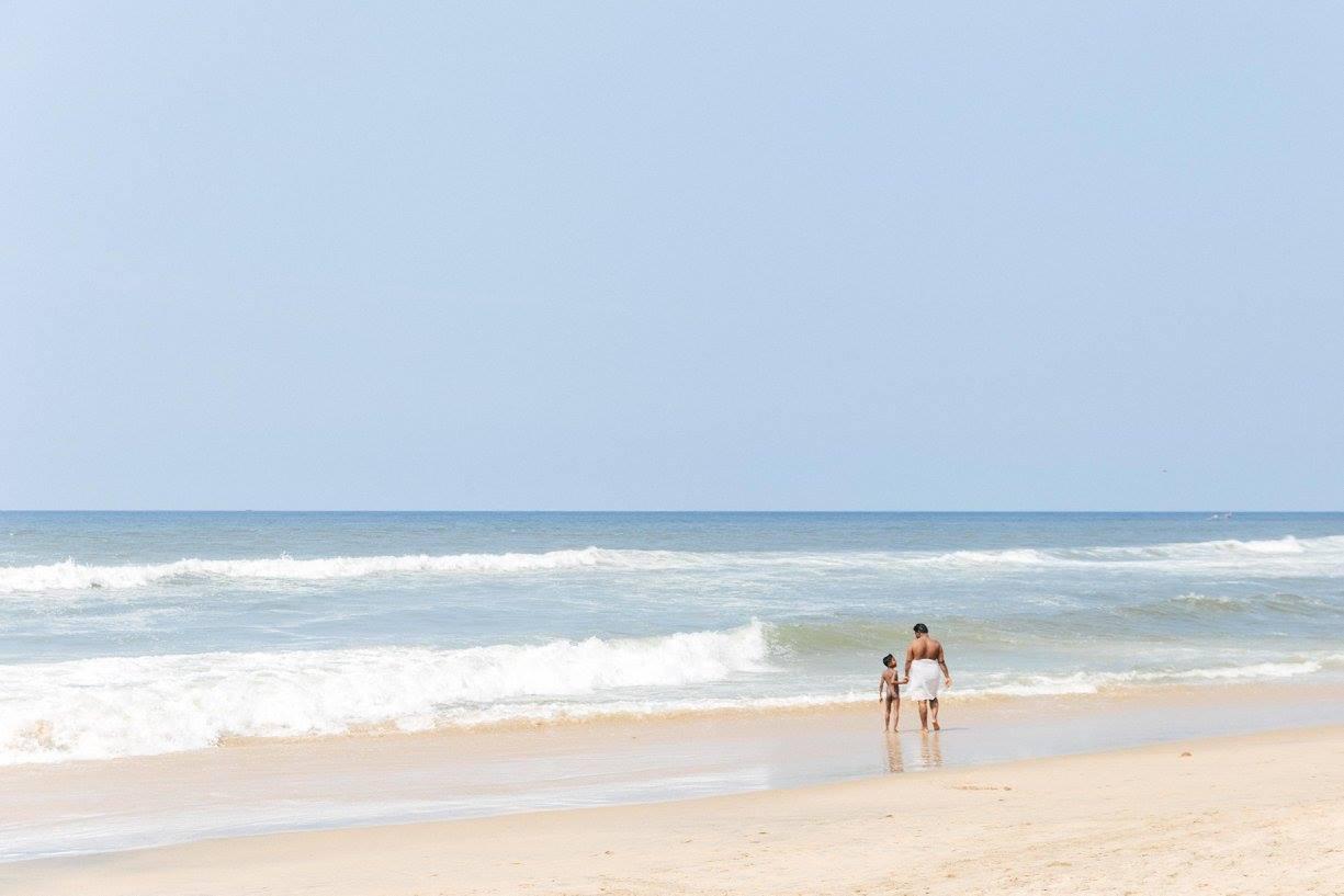 varkala-beach-india-ocean-father-son.jpg