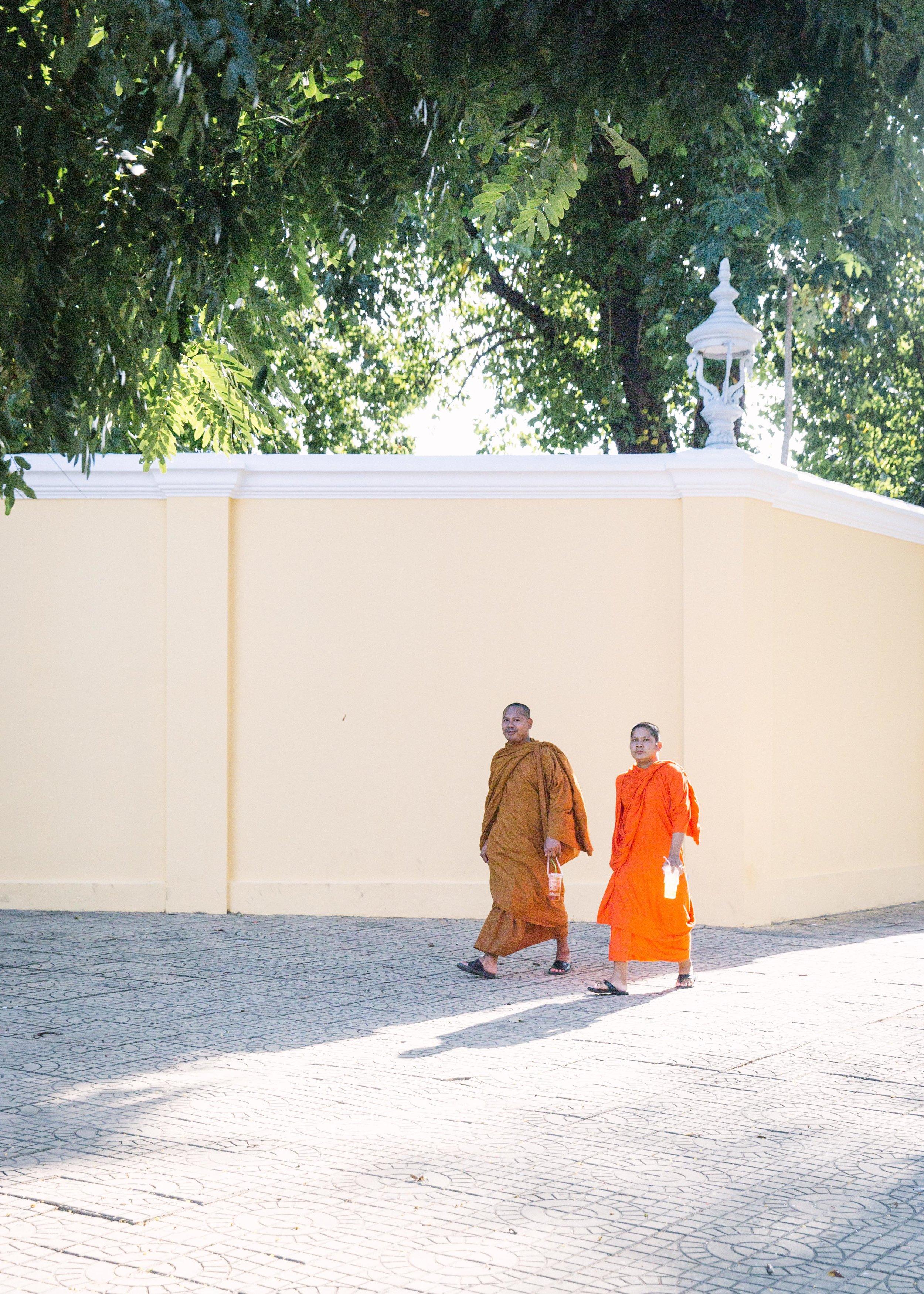 cambodia_phnom_phen_monks_southeast_asia-1.jpg