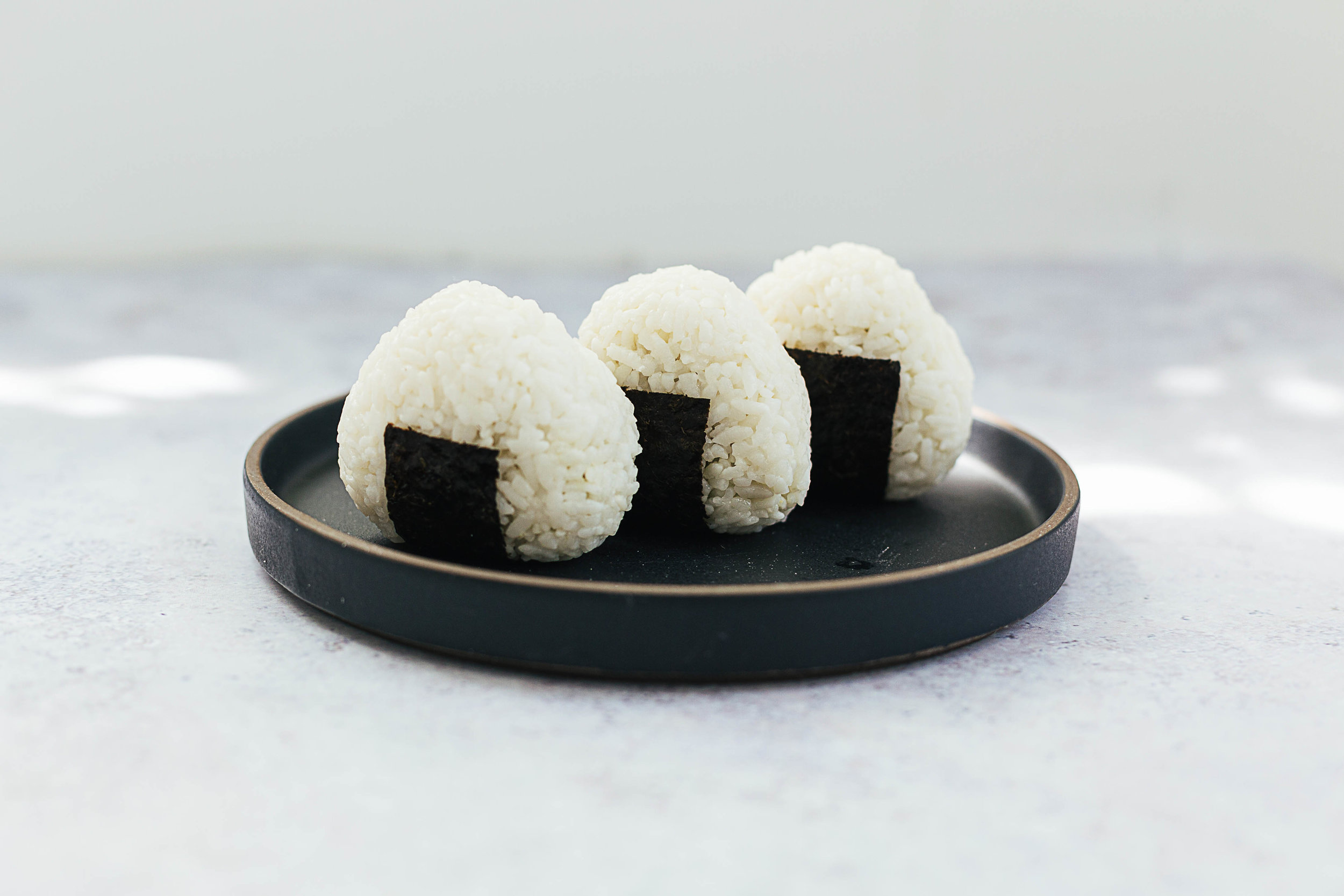 how_to_make_tuna_onigiri_rice_ball_5.jpg