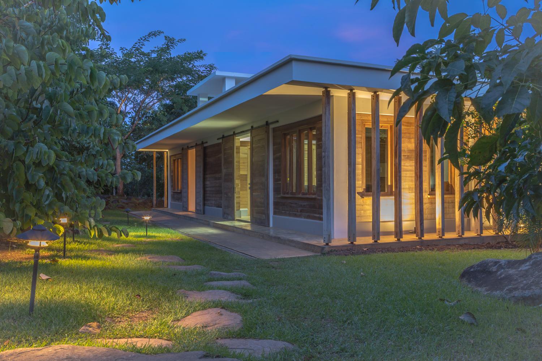 Tropical Hub
