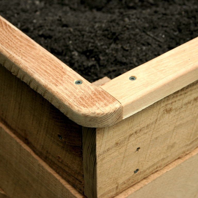 Raised planter 02.jpg