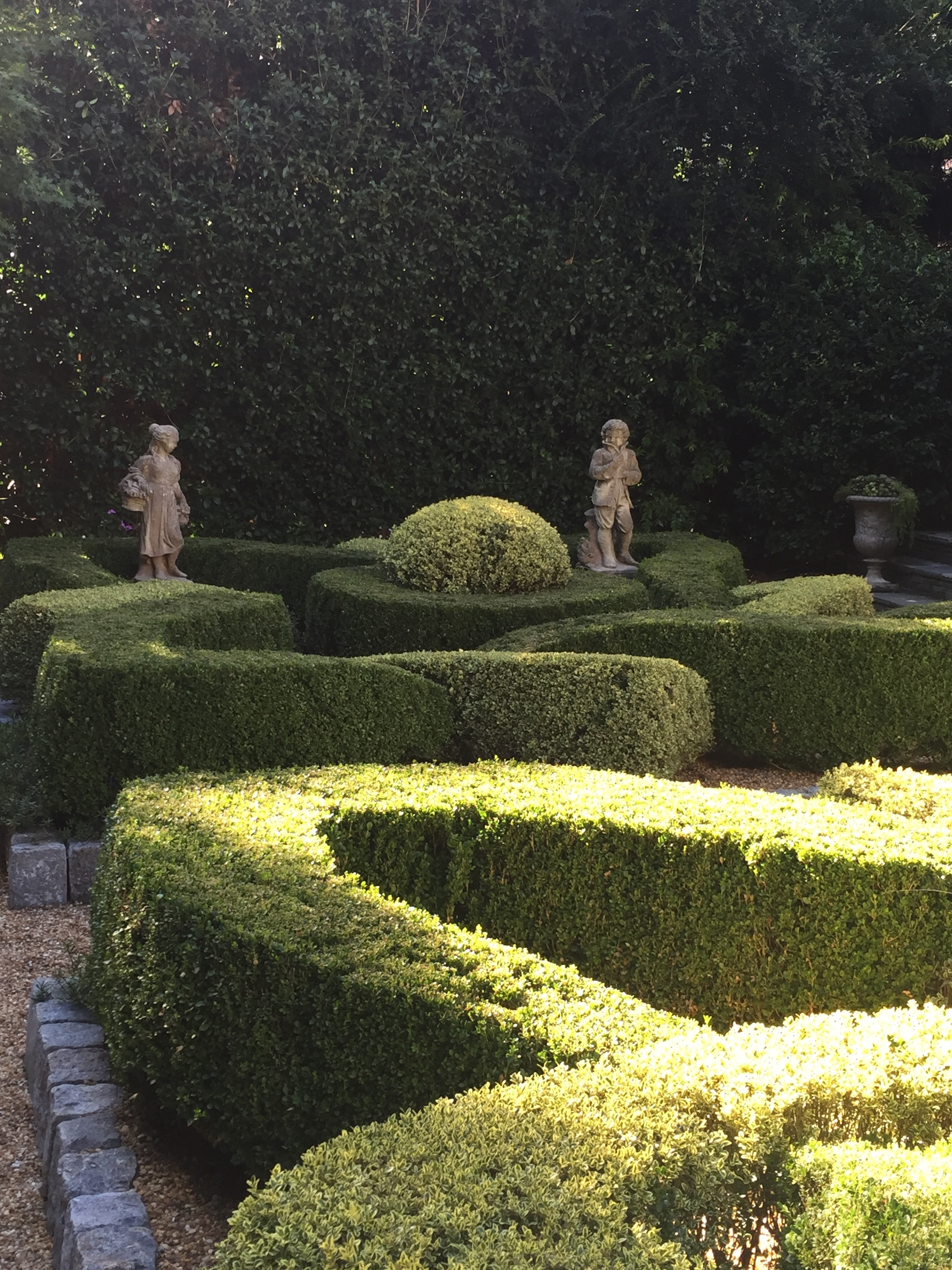 One very small garden went for formal, a knot garden.
