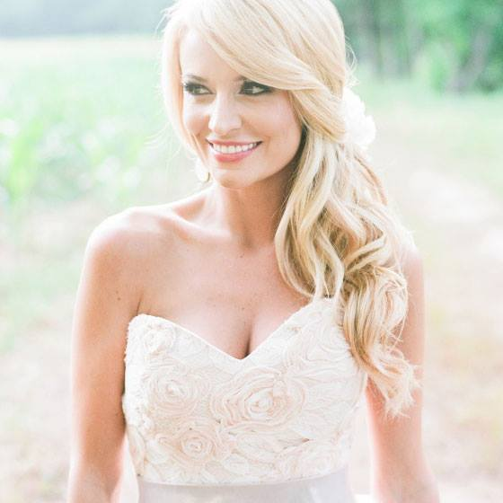 Photo of Emily Maynard via Modern Trousseau.