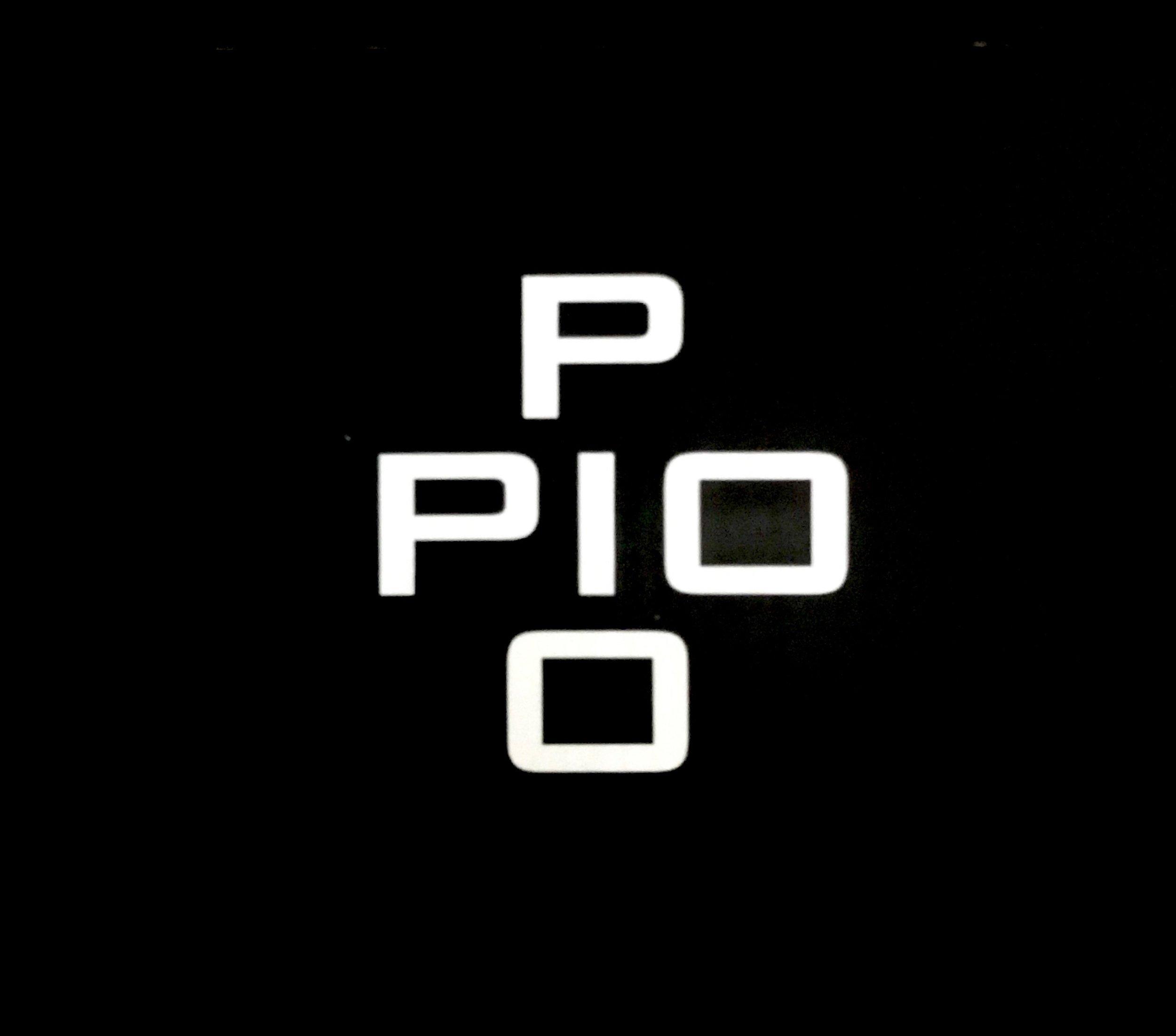 Pio Pio_logo black.JPG