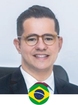 Dr. Allan Filgueira graduated in Medicine at the Federal University of Rio Grande do Norte. Fez residencia medical in general surgery for 2 years (pré requisite for plastic surgery) hair MEC - Monsenhor Hospital Walfredo Gurgel. Subsequently fez residência em cirurgia plástica for 3 years no Hospital Santa Marcelina - SP, nationally recognized institution for the qualification of its doctor, I have received or Specialist Degree in Plastic Surgery for the Sociedade Brasileira de Cirurgia Plástica in 2014.