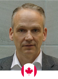 Dr. Hofer obtained his medical degree from the University of Amsterdam in 1992. He obtained his board certification in Plastic Surgery from the Netherlands in 2000 and became the first Plastic Surgeon to be awarded the highly prestigious Dutch Cancer Society clinical fellowship, which funded his one-year Microsurgery Research fellowship at the Bernard O'Brien Institute of Microsurgery at St. Vincent's Hospital.